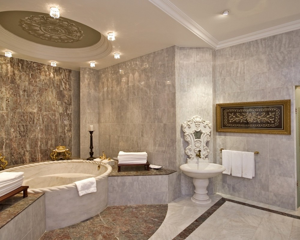 Çırağan Palace Kempinski | Sultan Suite Master Bathroom
