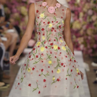 New York Fashion Week: Oscar de la Renta - Spring|Summer 2015